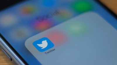 Logotipo do Twitter em smartphone. Crédito:Alastair Pike (AFP via Getty Images)
