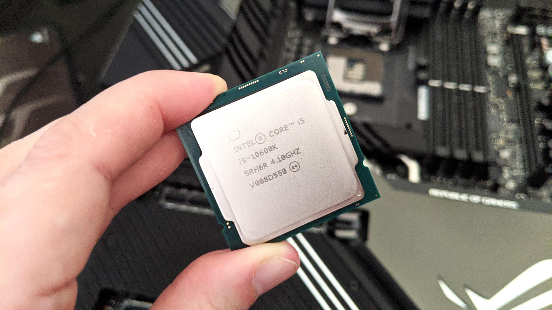 Chip Intel Core i5. Crédito:Joanna Nelius/Gizmodo