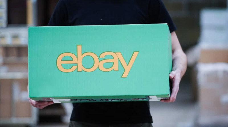 Logotipo do eBay em uma caixa. Crédito: Getty Images