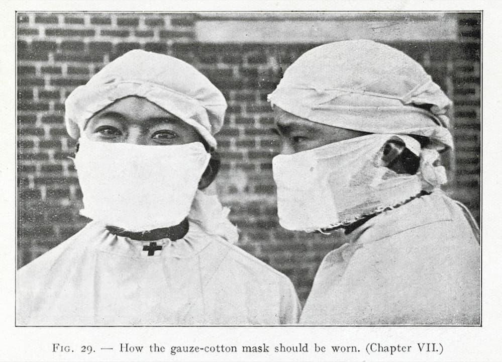 Fotografia que descreve como a máscara de gaze e algodão deve ser usada