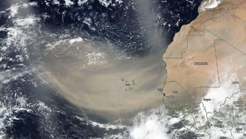 Foto de satélite da NASA mostra poeira do Saara em imagem de 18 de junho. Crédito: NASA Worldview