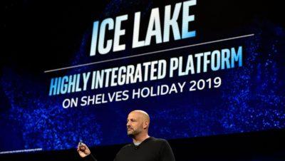 Gregory Bryant, vice-presidente sênior da Intel, exibindo chip Ice Lake durante um evento de imprensa da Intel na CES 2019.