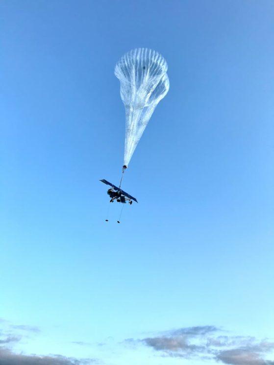 Balão Loon no céu