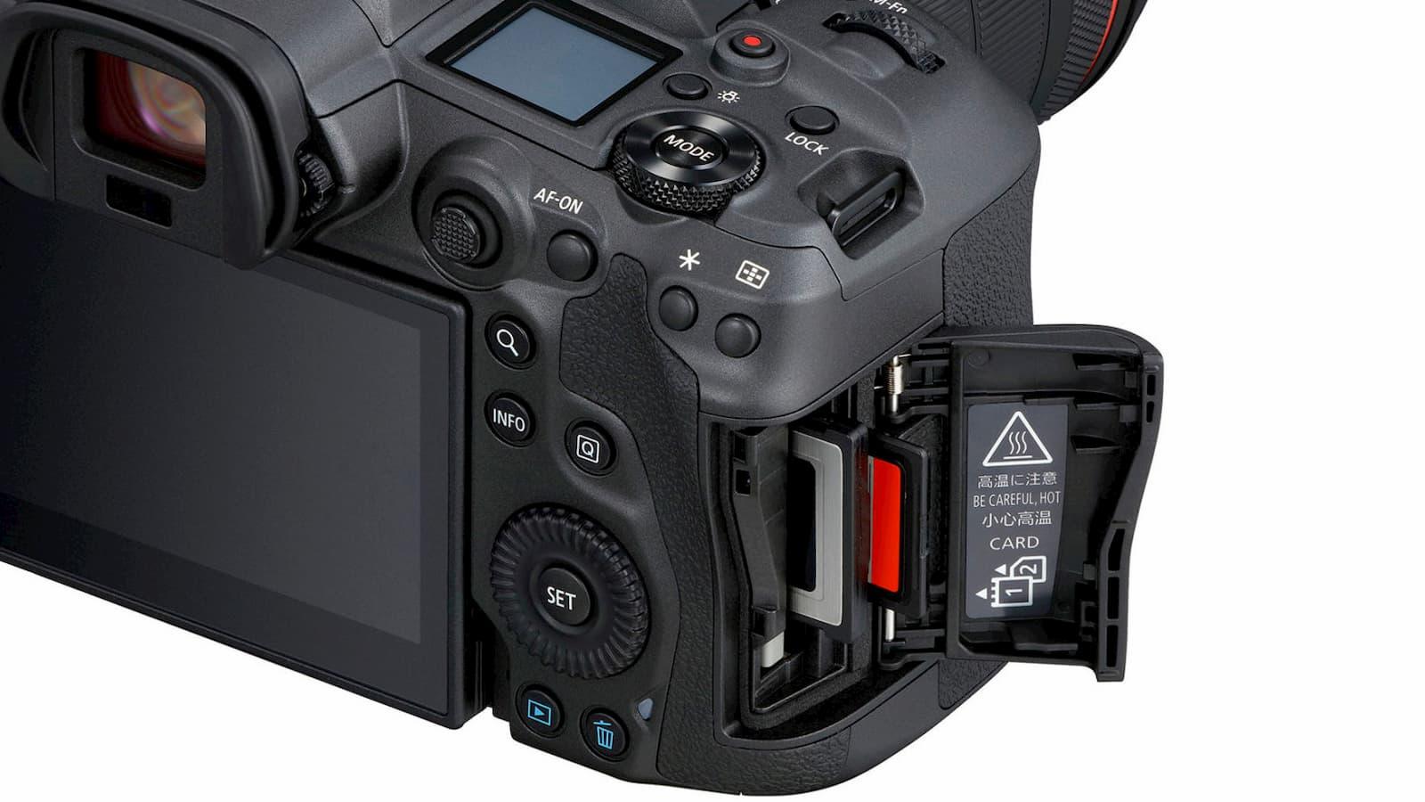 Slots de cartão da Canon EOS R5