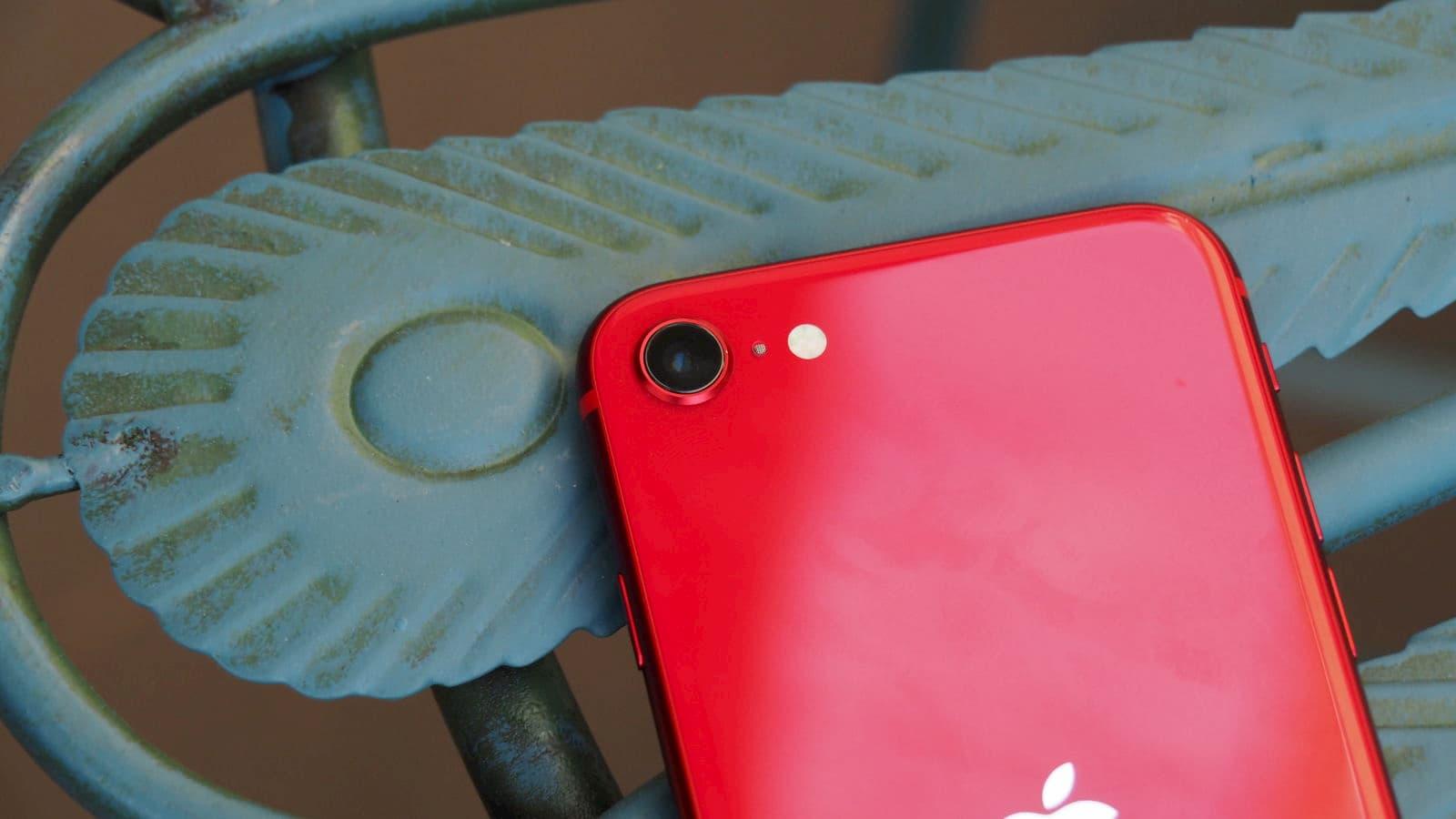 Lente da câmera traseira do iPhone SE 2020