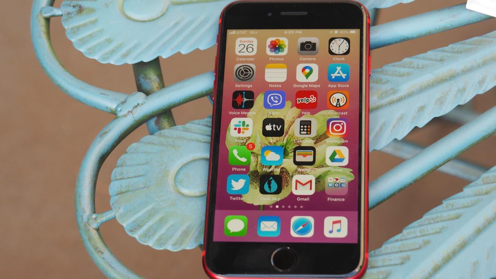 iPhone SE 2020 de frente