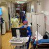 Trabalhadores da saúde em hospital em Richmond, Texas. Crédito: Mark Felix/AFP (Getty Images)