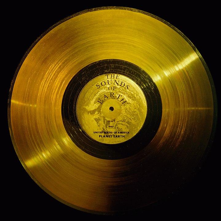 Disco de Ouro contendo Sons e Saudações do Planeta Terra. Crédito: NASA