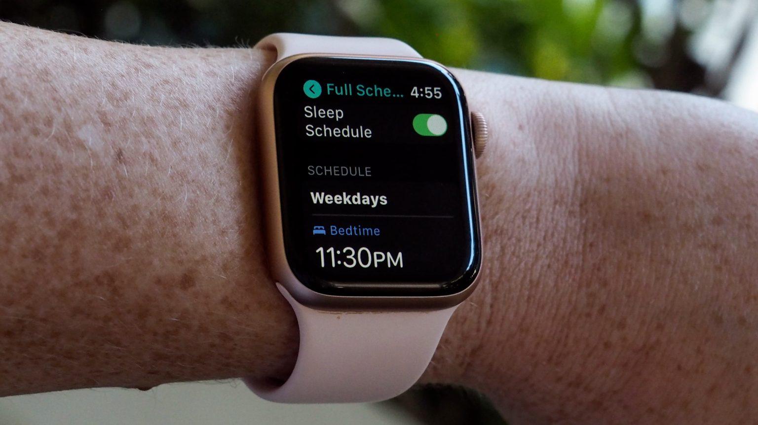 watchOS 7 permite configurar horário para dormir; a partir deste horário, relógio deixa tela mais escura