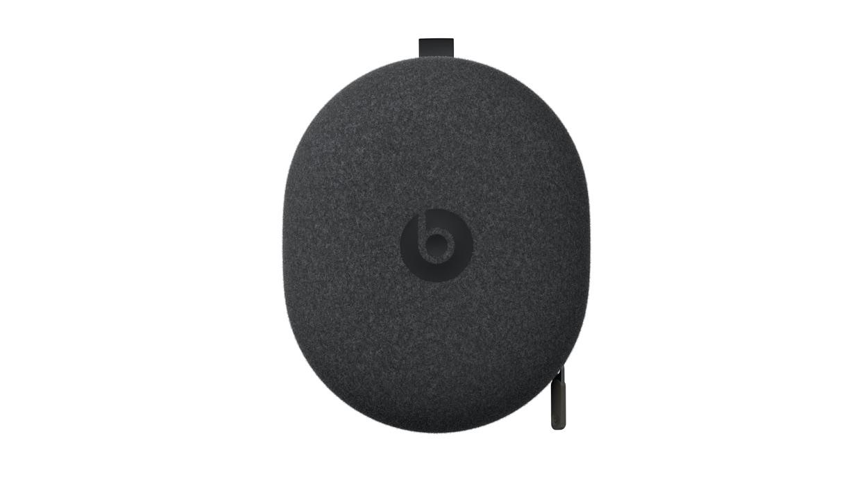 Fone Beats Solo Pro vem com um case para guardá-lo