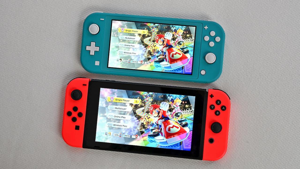 Nintendo Switch Lite e Nintendo Switch. Crédito: Sam Rutherford/Gizmodo
