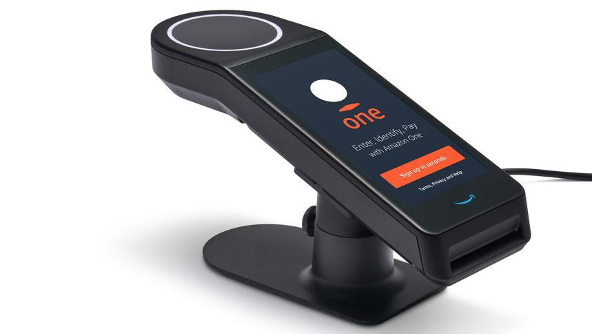 Amazon cria maquininha que permite pagamentos com a leitura da palma da mão