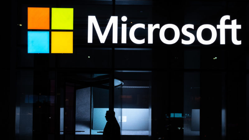 Microsoft compra empresa de inteligência artificial OpenAI. Crédito: Jeenah Moon (Getty Images)