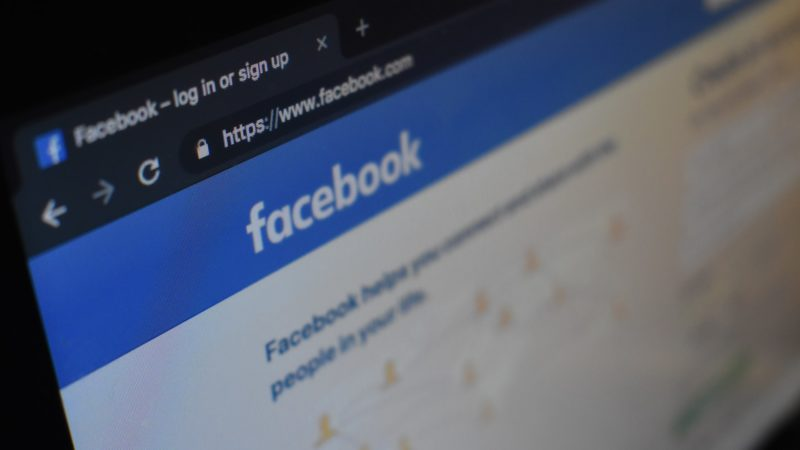 Facebook desmonta perfis chineses. Crédito: Unsplash