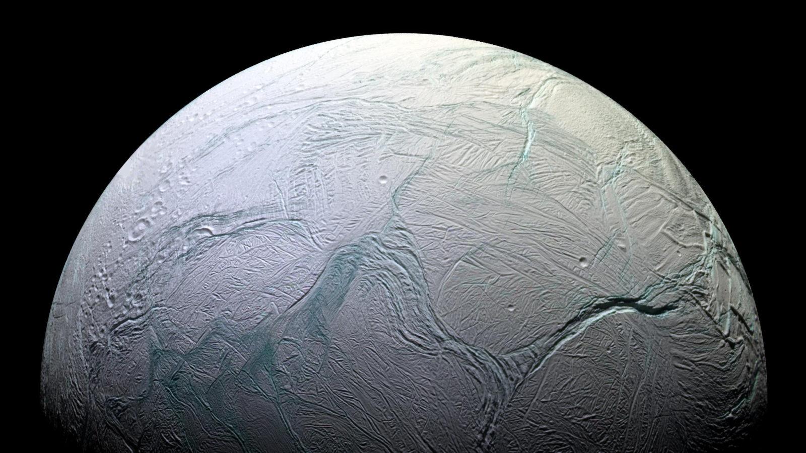 A lua Encélado, de Saturno. Crédito: NASA