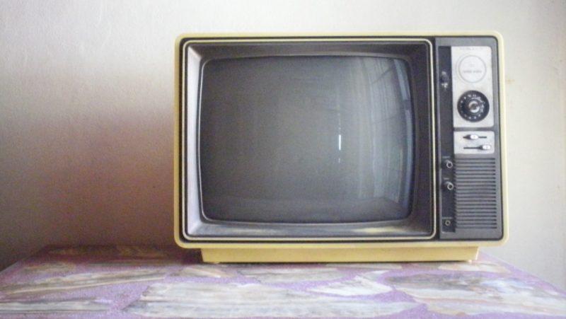 Técnicos encontram estranha interferência em aparelho antigo de TV. Crédito: pxhere/CC