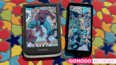 PocketBook Color e Hisense A5C. Crédito: Andrew Liszewski/Gizmodo