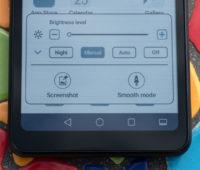A HiSense incluiu algumas funções do Android 9 personalizadas, incluindo dois modos que mudam como a bateria se comporta, priorizando a velocidade de atualização ou a qualidade de imagens exibidas