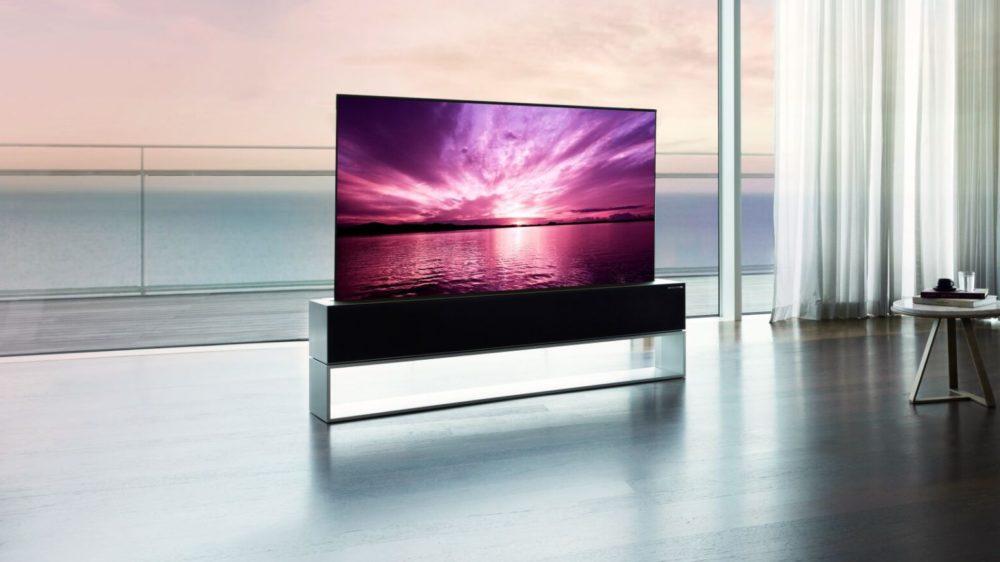 LG lança TV 4K finíssima que se enrola para dentro da base pela bagatela de US$ 87 mil