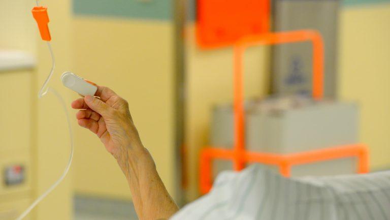 Estudo mostra que pacientes com Covid-19 têm cinco vezes mais chances de morrer que pacientes com gripe