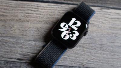 Apple Watch SE. Crédito: Victoria Song/Gizmodo