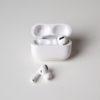 Apple AirPods Pro. Imagem: Adam Clark Estes/Gizmodo