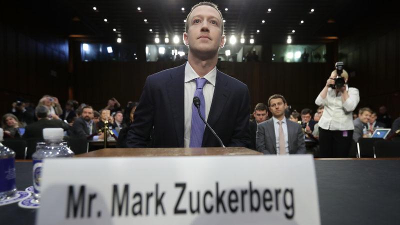 Mark Zuckerberg, CEO do Facebook, participa de sessão de comitê do Comércio no Senado dos EUA em 10 de abril de 2018. Crédito: Chip Somodevilla/Getty Images