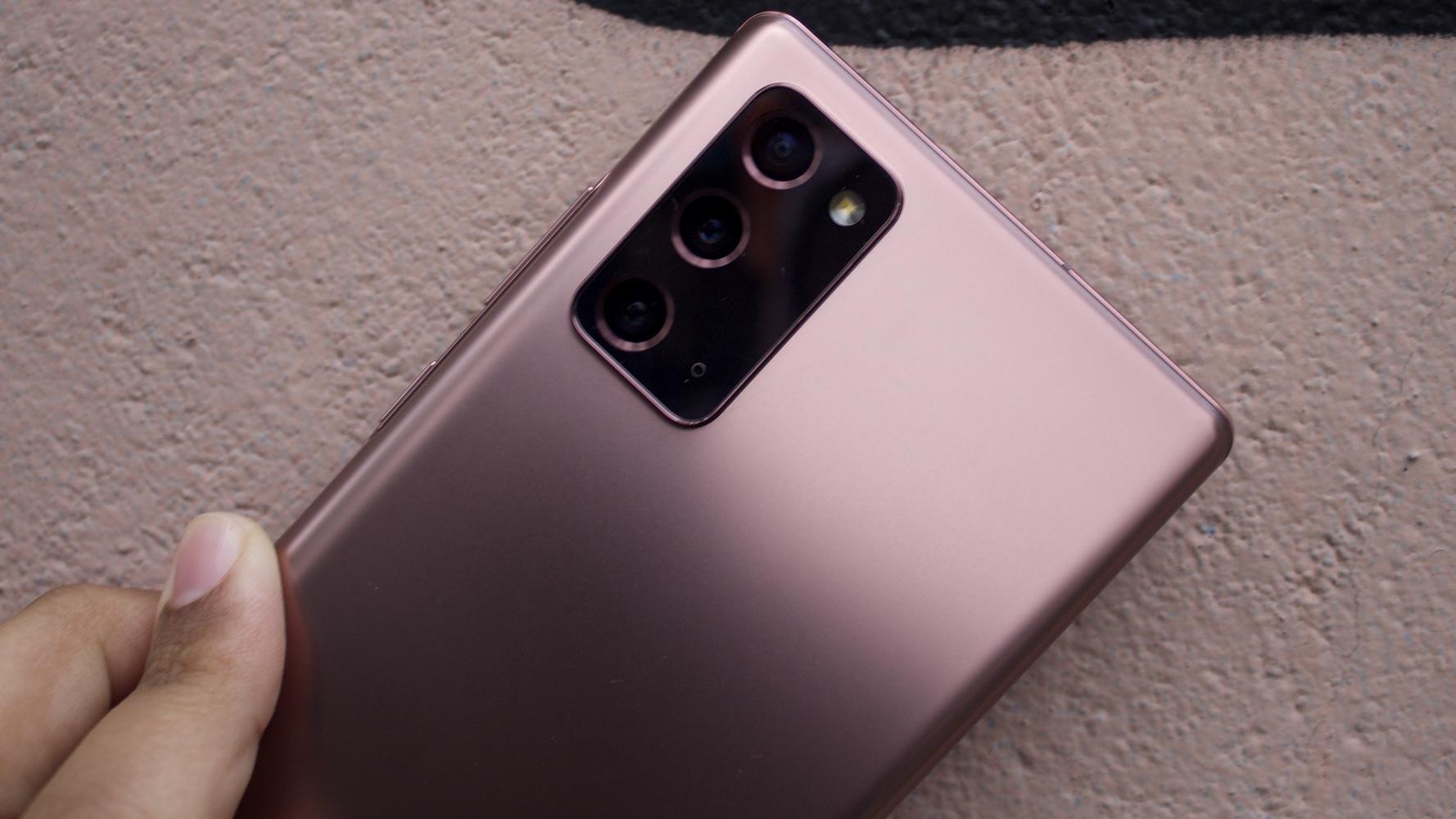 Detalhe das câmeras traseiras do Galaxy Note 20 Ultra