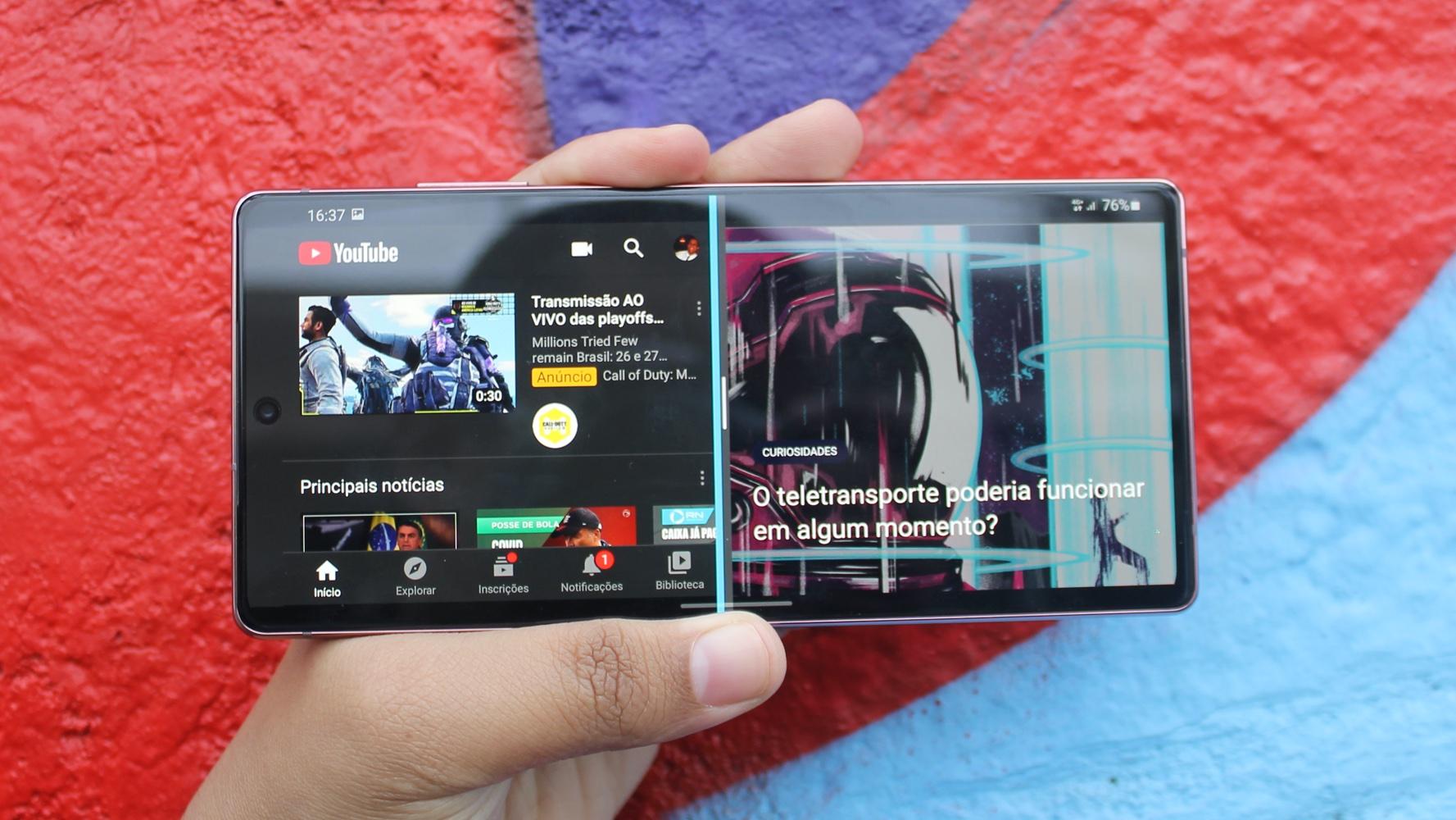 Recurso de tela dividida do Galaxy Note 20 Ultra rodando navegador e YouTube