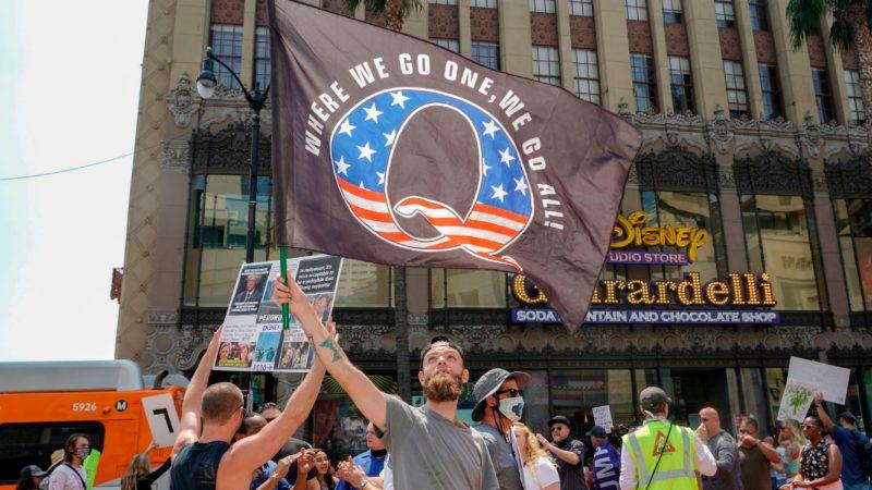Facebook bloqueia anúncios do grupo conspiratória QAnon. Imagem: Kyle Grillot (Getty Images)