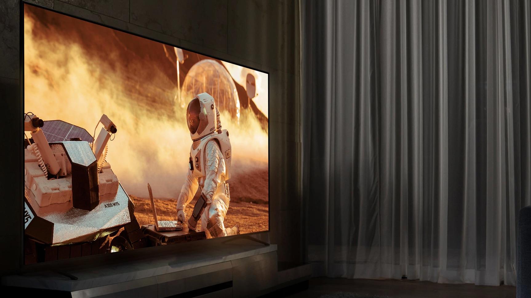 TV Nanocell LG 2020 exibindo filme em uma sala