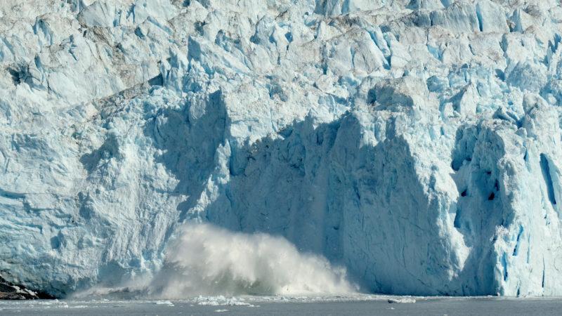 Derretimento do gelo na Groenlândia atinge mais um nível alarmante. Crédito: Sean Gallup (Getty Images)