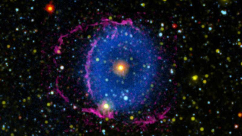 Nebulosa do Anel Azul. Imagem: NASA/JPL-Caltech