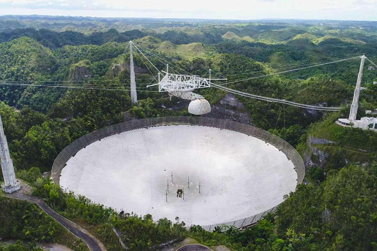 Observatório de Arecibo em Porto Rico. Imagem: UCF Today