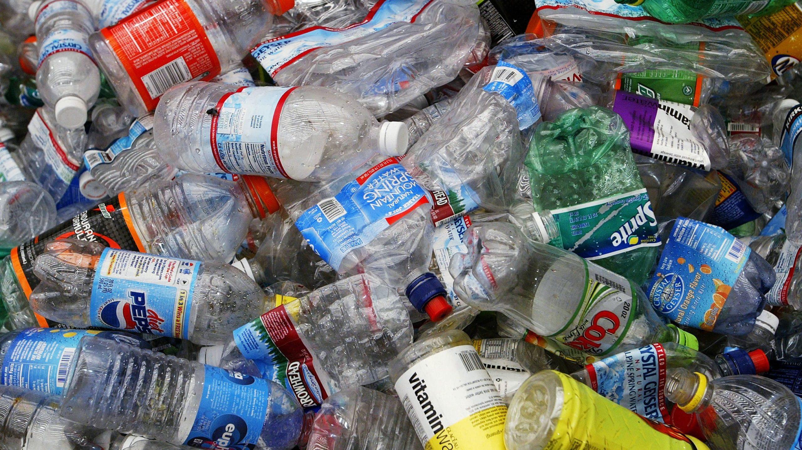 ONU discute acordo para reduzir plástico, mas nem todos os ...