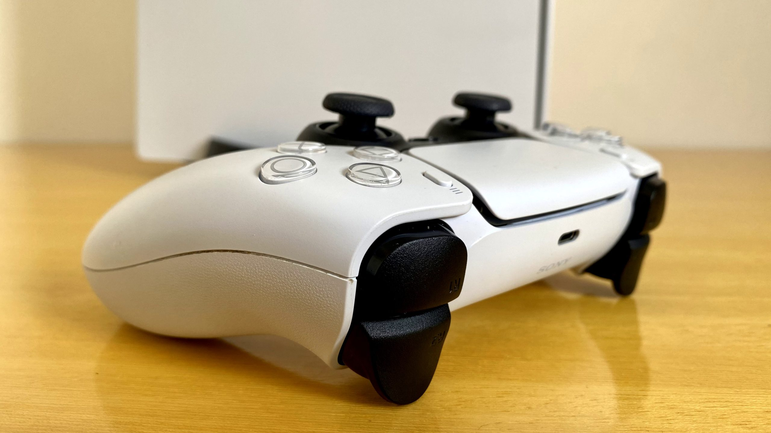 DualSense PS5. Imagem: Caio Carvalho/Gizmodo Brasil