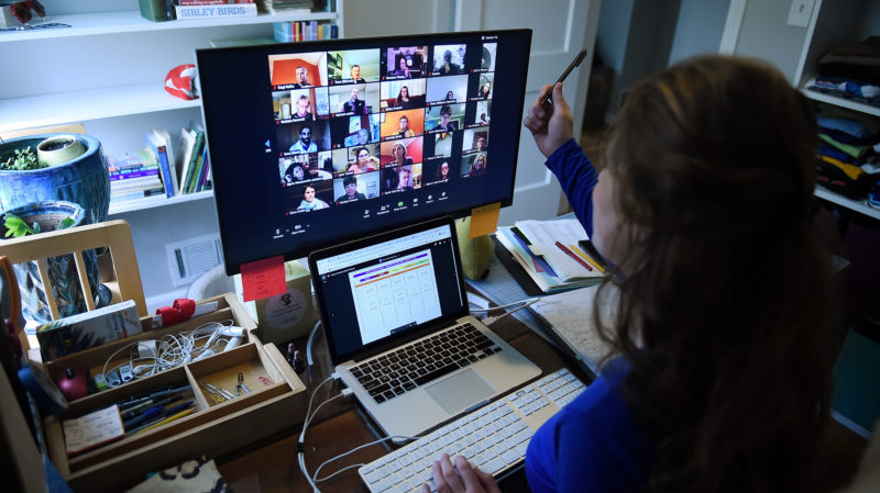 Home office. Imagem: Olivier Douliery (Getty Images)