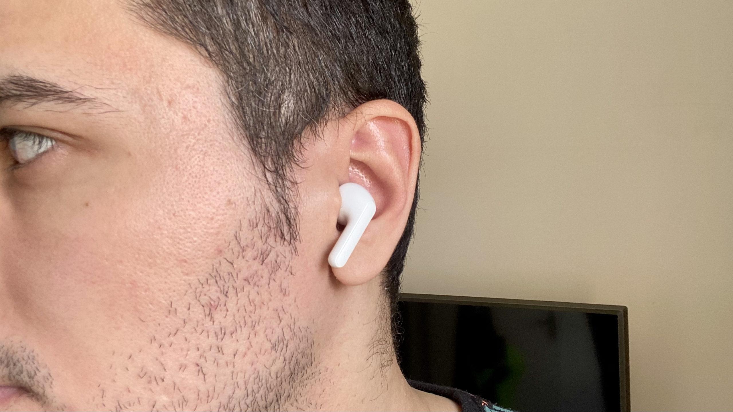 Review Fone LG Tone Free FN6. Imagem: Caio Carvalho (Gizmodo Brasil)