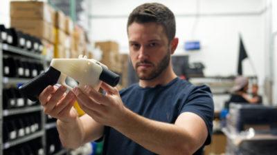 Armas feitas em impressora 3D. Imagem: Kelly WEST/AFP (Getty Images)